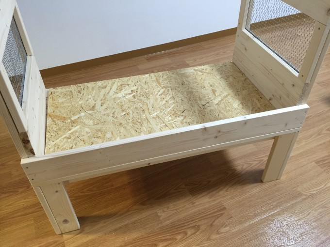 自作ケージの床にOSB材を使う