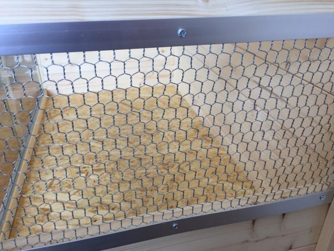 木製自作ケージの窓