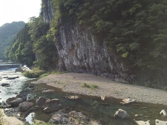 大分県の山奥の川